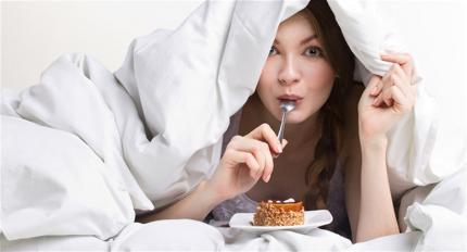 5 padedantys mesti svorį vakariniai įpročiai