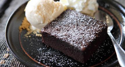 Šokoladas lovoje: 3 šokoladinių desertų receptai